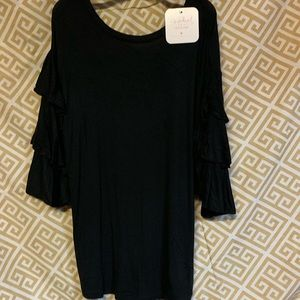 Maternity black bell sleeve tunic. Medium.